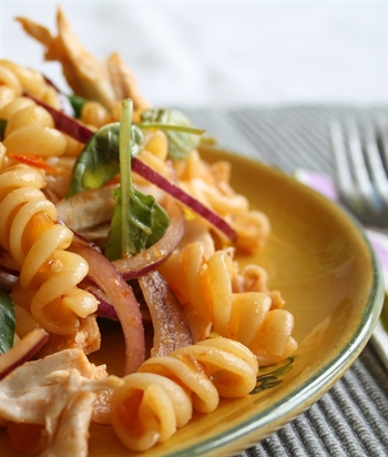 /recipes/main-meals/sweet-tomato-chilli-pasta-salad-with-shredded-chicken-basil/