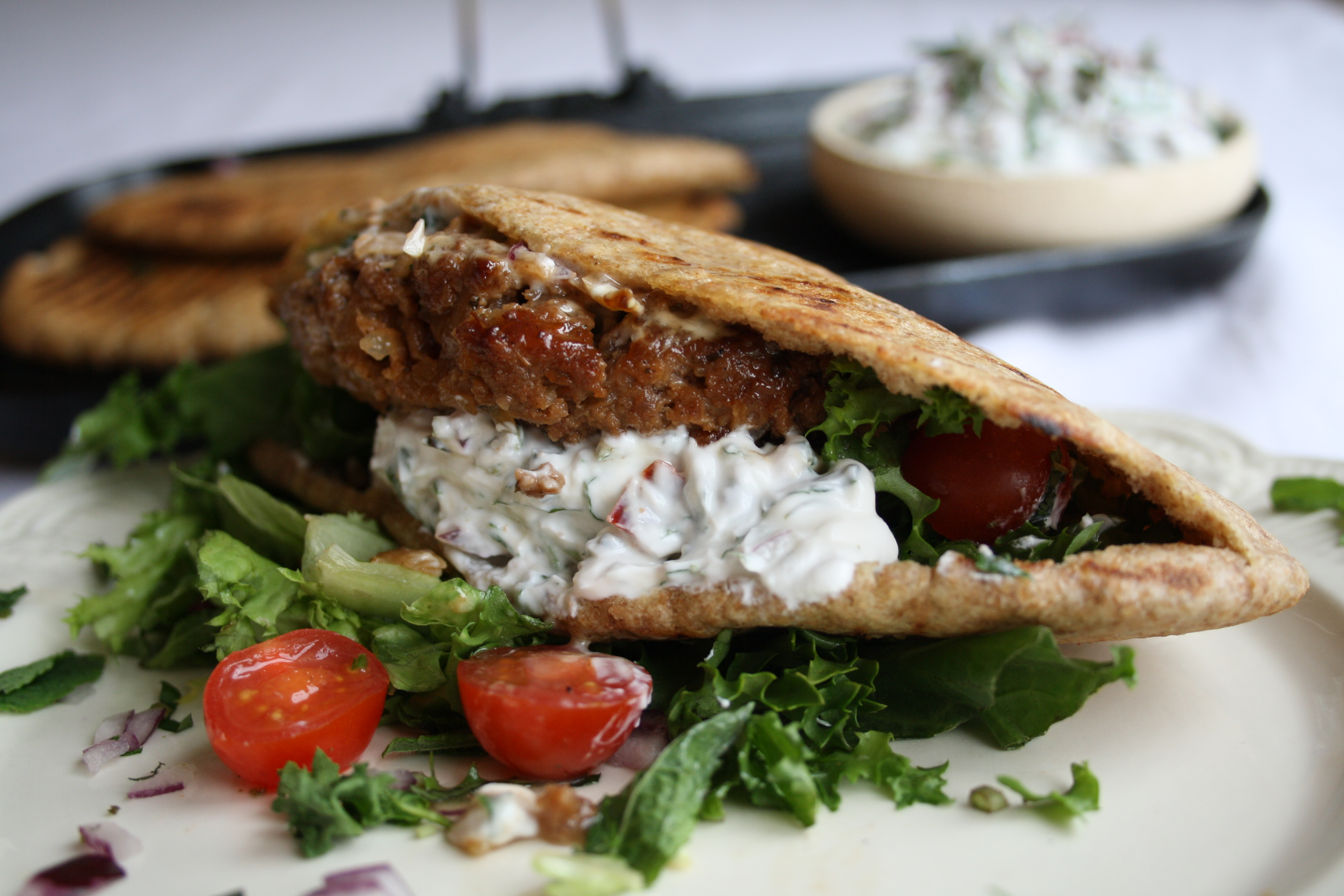 /recipes/main-meals/moroccan-spiced-lamb-burger/
